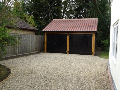 2 bay garage in drinkstone
