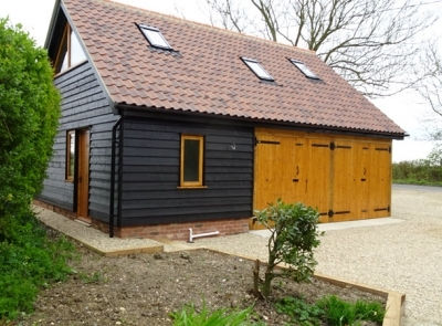 2/3 Bay Cart Lodge with Gym & Shower. Depton