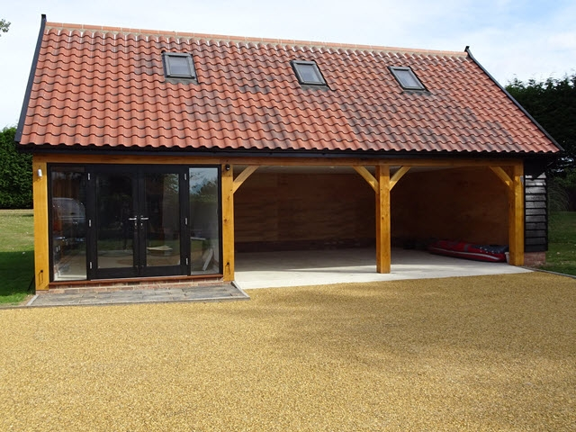 Bespoke oak cartlodges cart lodge builder suffolk for Garage with accommodation